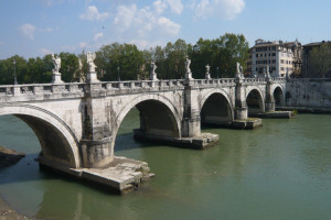 Ponte_Sant'Angelo Roma Itinerari spettrali, la Roma dei fantasmi