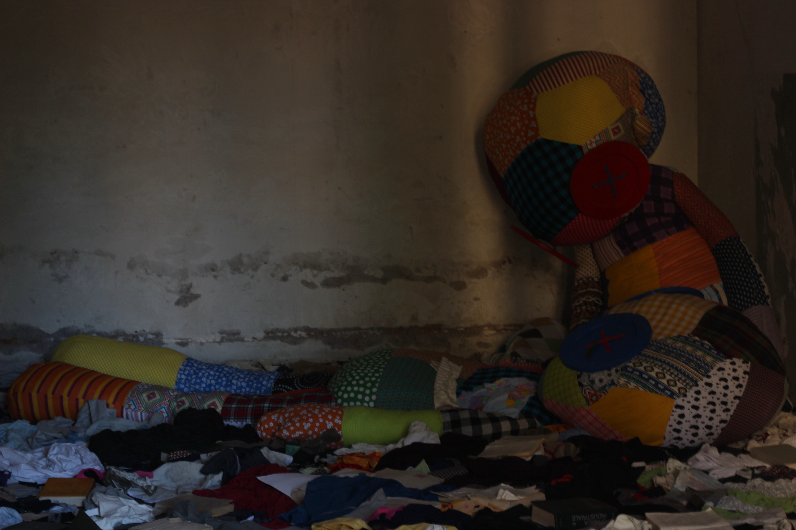 Come ti trasformo la caserma abbandonata: l'Outdoor Urban Art Festival 2015