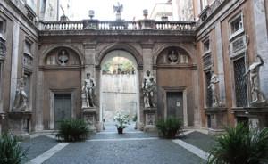Palazzo Mattei, dove vissero Caravaggio e Leopardi