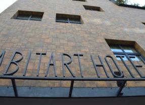 """Abitart Hotel, un esempio di """"barocco moderno"""""""