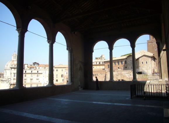 La Casa dei Cavalieri di Rodi: visita esclusiva nella sede di un Ordine Millenario