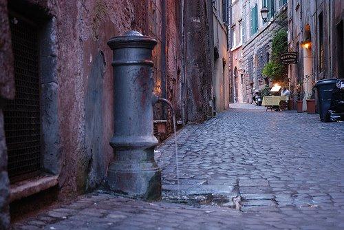 Roma e le acque: le fontanelle rionali