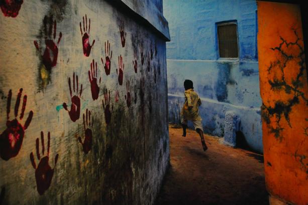 Lo sguardo antropologico di Steve McCurry a Cinecittà